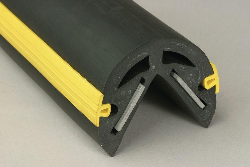 Afgeronde stootrand voor hoek van gewapend elastomeer, hoek van 65 mm
