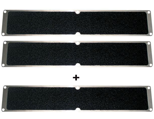 Promopack met 2 + 1 zwarte antislipplaten van aluminium