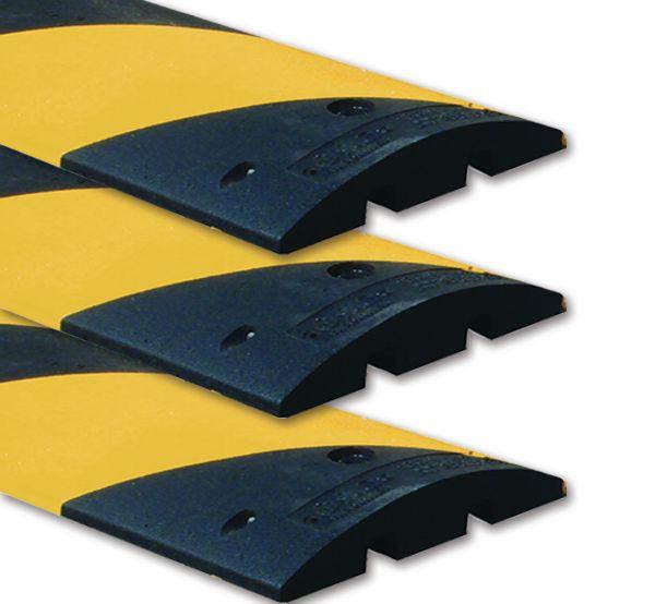 Pack van 3 zwart en gele monobloc verkeersdrempels