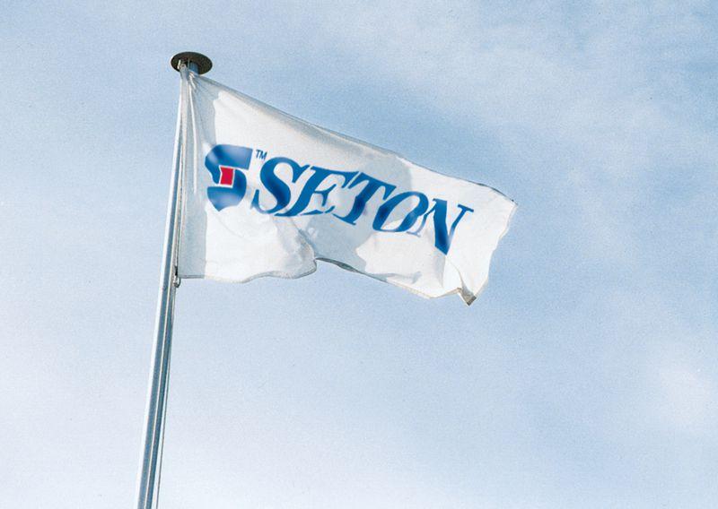 Personaliseerbare vlaggen, te bedrukken met eigen tekst of logo