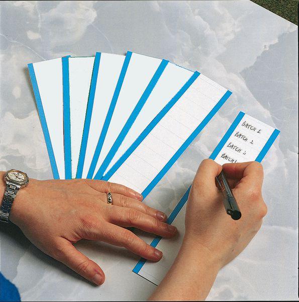 Blanco, beschrijfbare controlestickers van geplastificeerd textiel