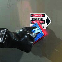 ToughWash® Labels - Bilingual Pinch Point (With Arrow)
