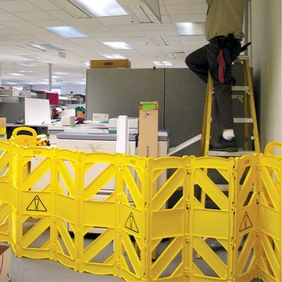Rubbermaid® Commercial Mobile Barriers 9S11
