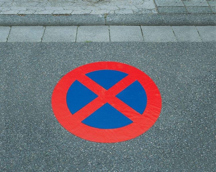 Absolutes Haltverbot - PREMARK Straßenmarkierungen, Verkehrszeichen - Parkplatzmarkierung