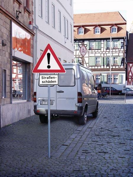 Splitt, Schotter - Verkehrszeichen für Deutschland, StVO, DIN 67520