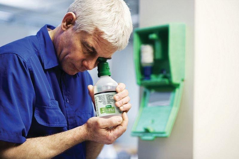Plum Augenspülungs-Kombination in Wandbox - Erste Hilfe und Hygiene