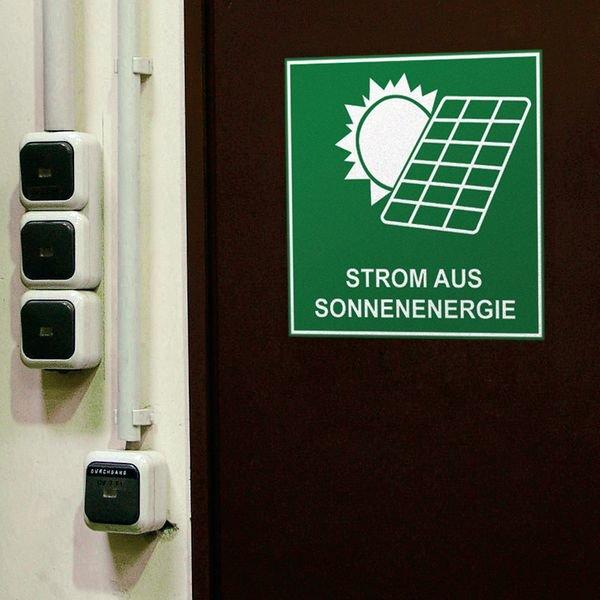 Strom aus Sonnenenergie - Schilder für nachhaltige Energie und Elektrotankstellen, praxiserprobt