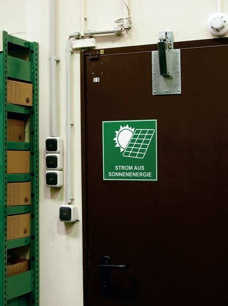 Strom aus Sonnenenergie - Schilder für nachhaltige Energie und Elektrotankstellen, praxiserprobt - Hinweisschilder zur Betriebskennzeichnung