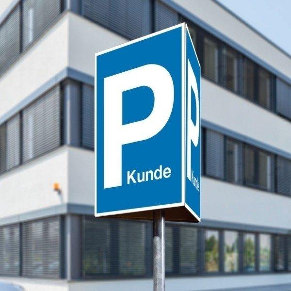 Parkplatzschilder mit Text nach Wunsch, dreiseitig