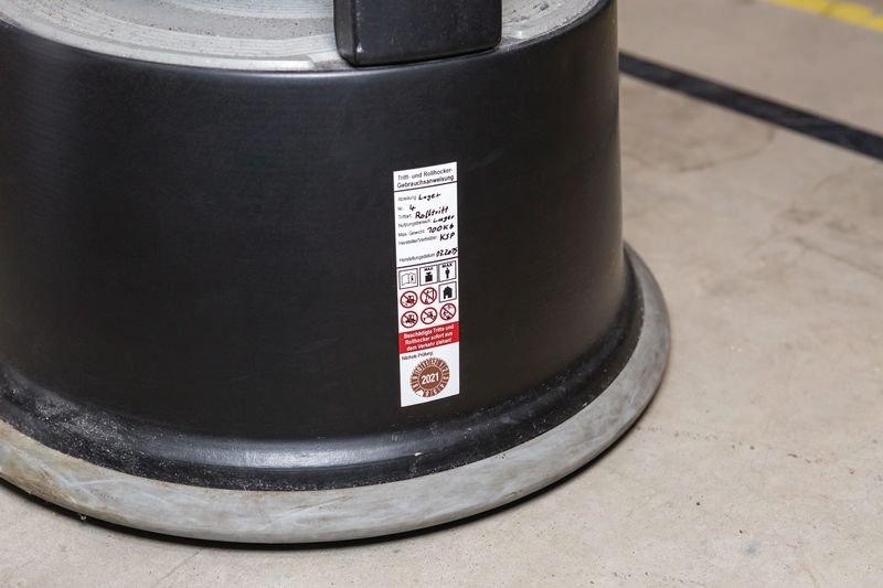 Gebrauchsanweisung für Tritt- und Rollhocker, DGUV Information 208-016