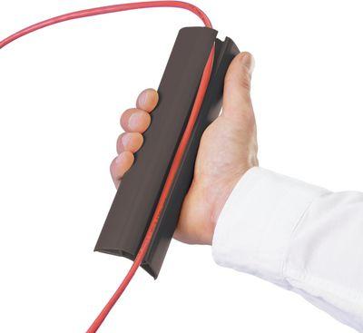 Kabel-Einführung durch Aufbiegen