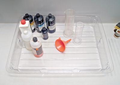 Auffangwanne für Flüssigkeiten am Laborarbeitsplatz