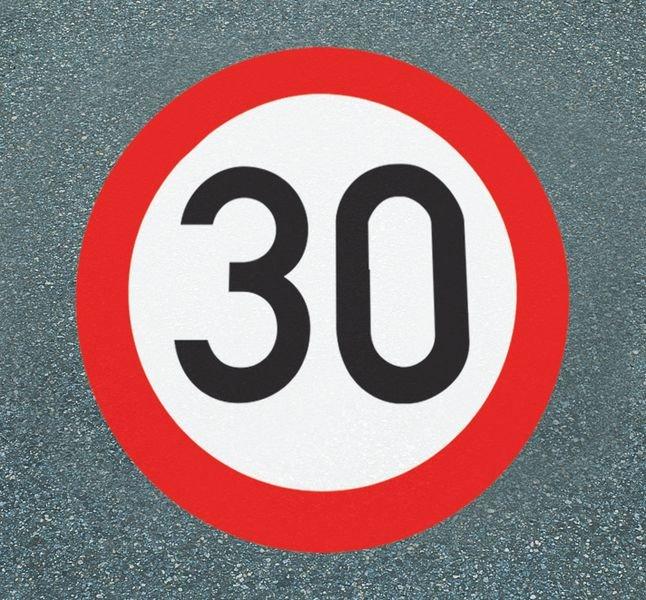 Höchstgeschwindigkeit 30 – Asphaltfolie zur Straßenmarkierung, R10 nach DIN 51130/ASR A1.5/1,2