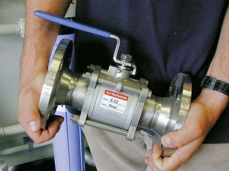 Zur Nachbearbeitung - Folienetiketten zur Qualitätssicherung, auf Rolle