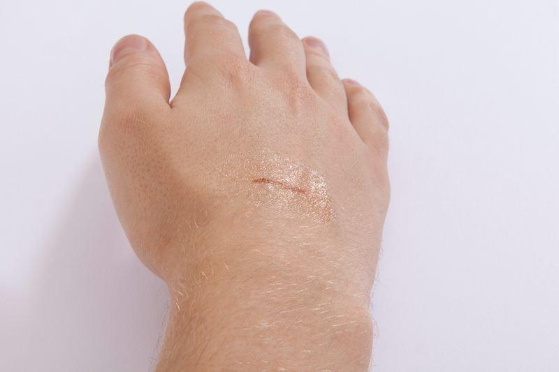 Hansaplast® Sprühplaster - Pflaster und Verbandmaterial