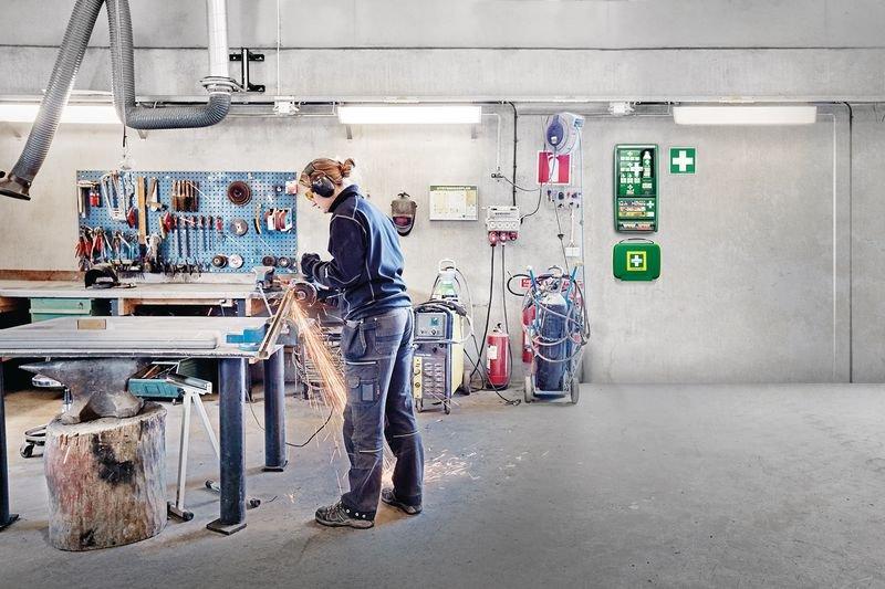 Cederroth Erste-Hilfe-Station mit Erste-Hilfe-Koffer, DIN 13157 - Erste-Hilfe-Schränke
