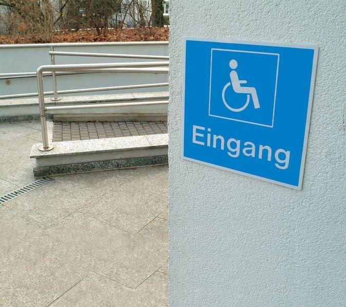 Behindertengerechter Ausgang - Symbolschilder