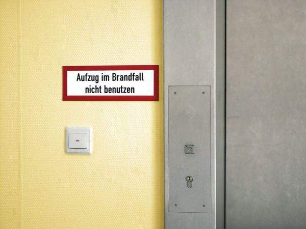 Brandschutzschilder mit Text nach Wunsch, DIN 4066 - Brandschutzschilder
