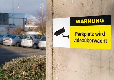 Schild zur Kameraüberwachung praxiserprobt