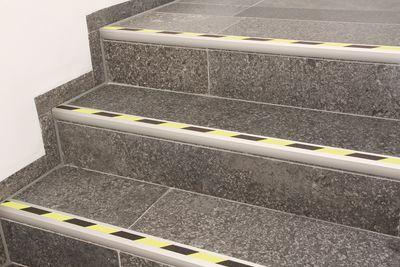 Treppenprofile farbig