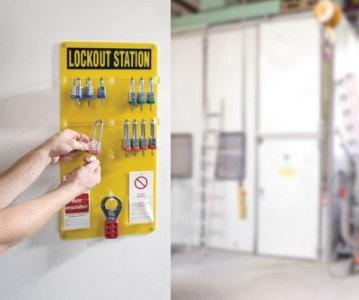 Offene Lockout-Station mit Zubehör