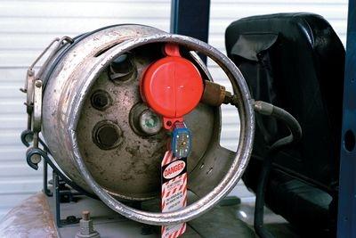 Gaszylinderverriegelung an einem Zylindertank