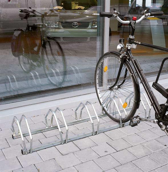Fahrradständer aus Stahl für fünf Fahrräder
