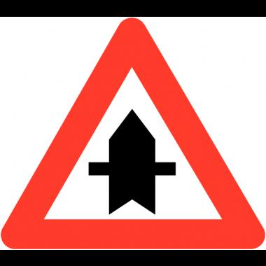 """Panneaux de circulation """"Intersection avec une route dont les usagers doivent céder le passage"""""""