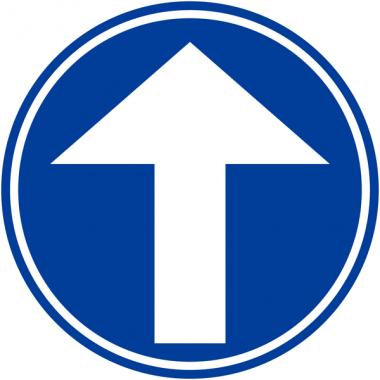 """Panneaux de circulation """"Direction obligatoire à la prochaine intersection: tout droit"""""""