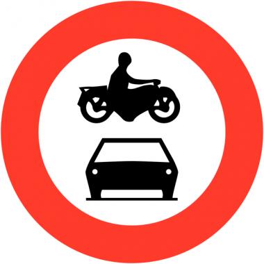"""Panneaux de circulation """"Accès interdit aux véhicules à moteur à l'exception des cyclomoteurs"""""""