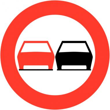 """Panneaux de circulation """"Interdiction de dépasser"""""""