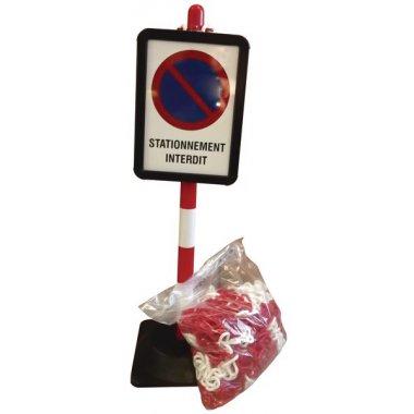 """Lot de poteaux """"Stationnement interdit"""" avec chaîne et panneaux"""