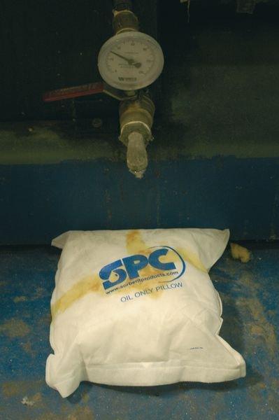 Coussins absorbants hydrophobes pour hydrocarbures