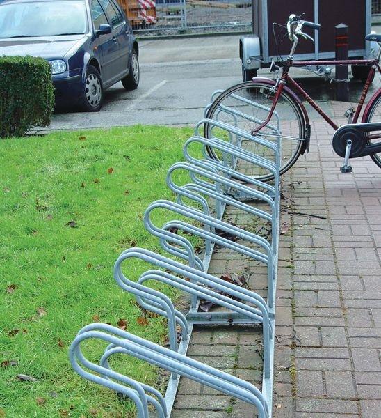 Range vélos au sol vélos ville type côte à côte ou face à face