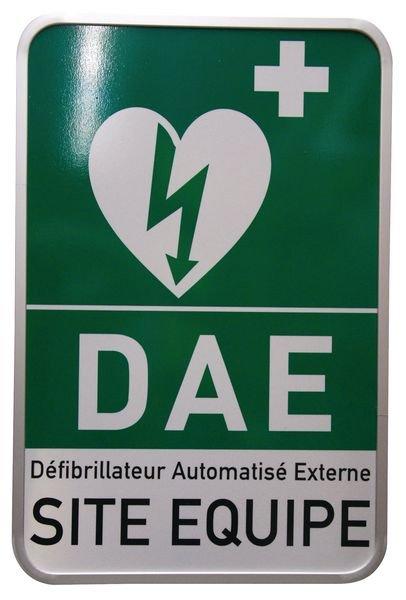 """Panneau rétroréfléchissant """"Défibrillateur automatique externe pour le cœur - Site équipé"""""""