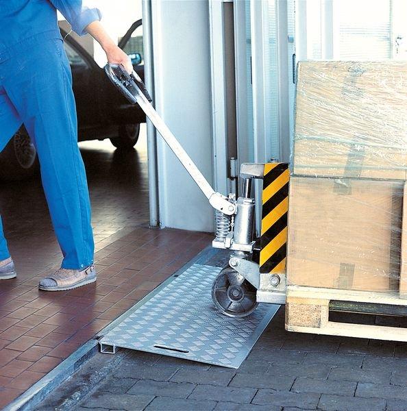 Rampe pour passage d'obstacles à grande capacité de charge