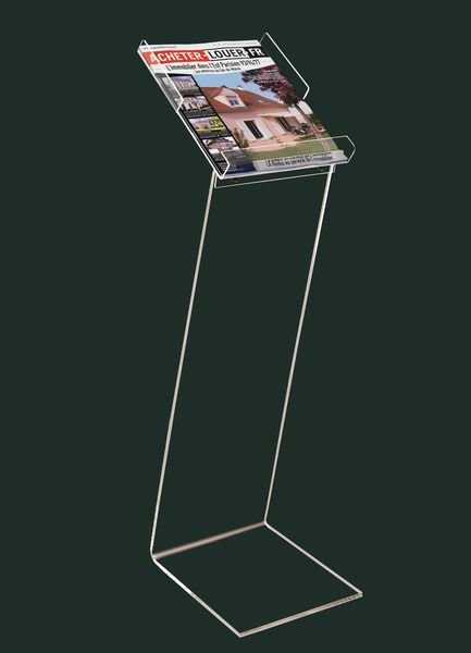 Porte-brochures sur pied en plexiglas aux dimensions spécifiques
