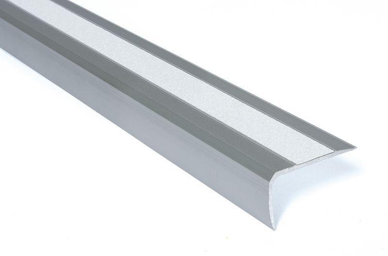 Nez de marche antidérapants en aluminium Easy Clean - Puissance moyenne