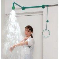 Douche de sécurité avec tuyau apparent pour laboratoire