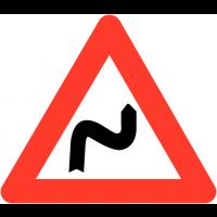"""Panneaux de circulation """"Succession de virages dont le premier est à droite"""""""