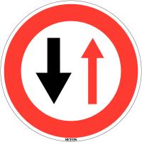 """Panneau de circulation en PVC """"Cédez le passage à la circulation venant en sens inverse"""""""