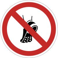 Panneaux et autocollants NF EN ISO 7010 Chaussures à picots métalliques interdites - P035