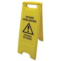Balise de signalisation défense d'enclencher travaux en cours