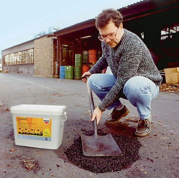 Enrobé à froid pour l'entretien des sols - Marquage au sol : peinture, pochoirs, clous