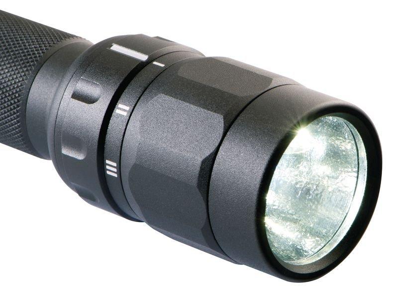 Lampe torche PELI™ à LED 2370 - Projecteurs et lampes torche