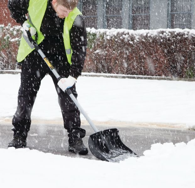 Pelle à neige renforcée - Déneigement