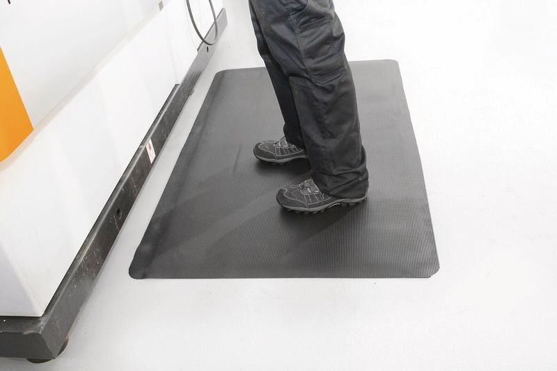 Tapis anti fatigue strié en rouleau pour milieu sec - Tapis anti fatigue