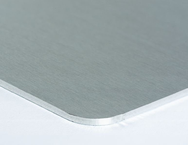 Pictogrammes NF EN ISO en aluminium Danger trébuchement - W007 - Seton