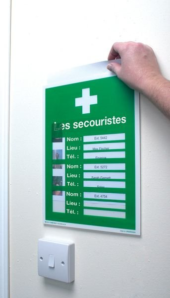 Kit de premiers secours pharmacie et affichage des secouristes à compléter - Armoires à pharmacie