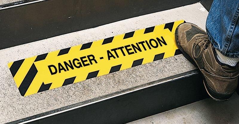 Bandes antidérapantes adhésives prédécoupées avec texte Danger - Attention - Puissance 2 - Seton